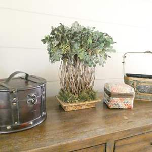 Lot # 4- Decor- Baskets, plants and more!