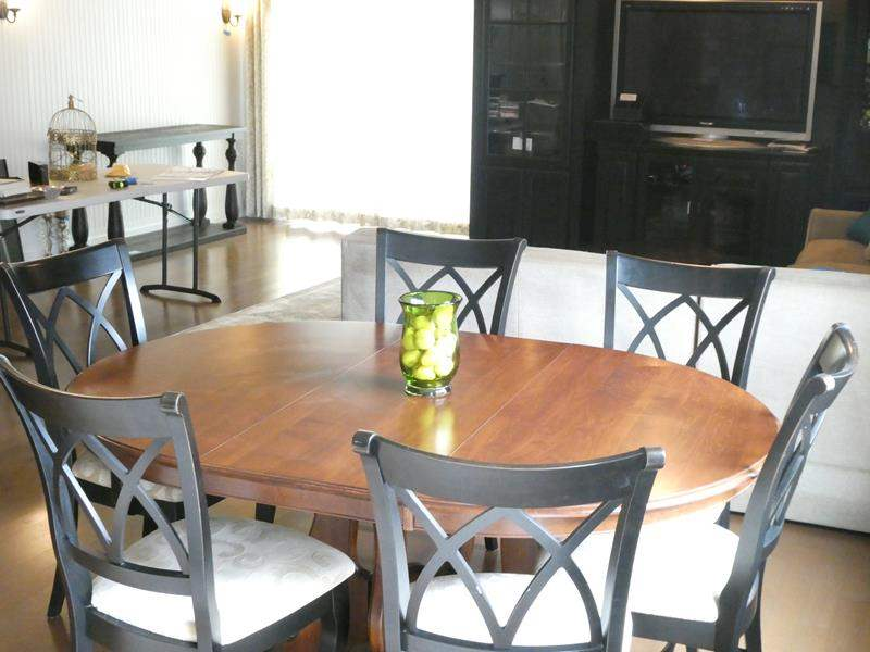 Lot # 61- Dining Table with 6 Chairs (main image)
