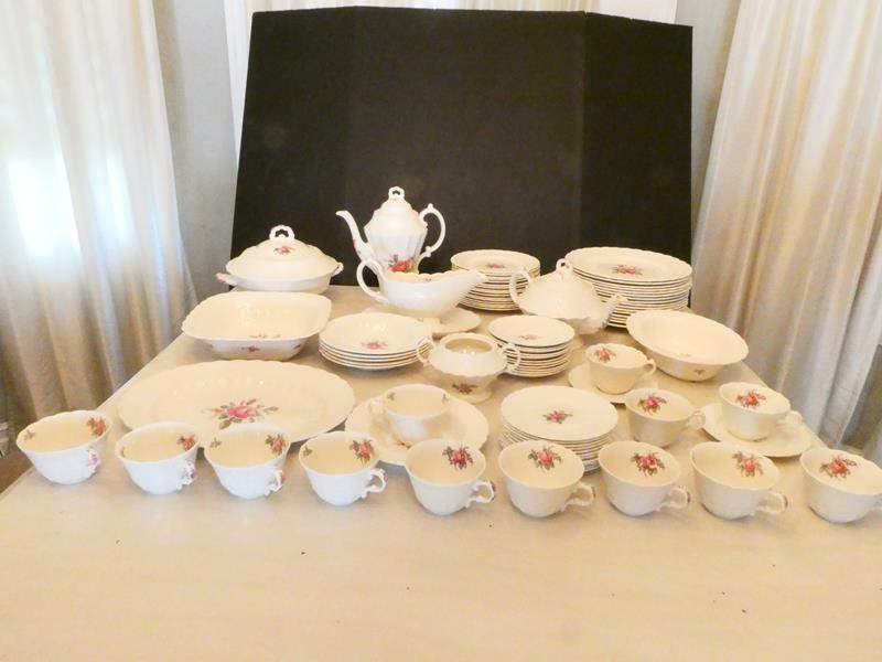 Lot # 17- Spode fine china- Complete set (main image)