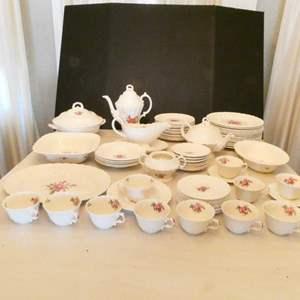 Lot # 17- Spode fine china- Complete set
