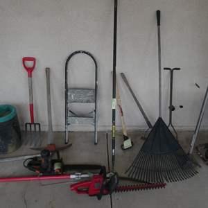 Lot # 86- Garden Tools!