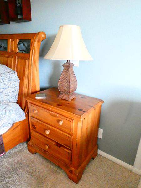 Lot # 35- 2 Pennsylvania House Night Stands and lamps (main image)