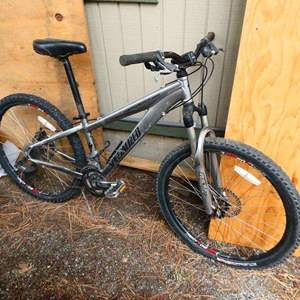 Lot # 221-Specialized Mountain bike- Hardrock- see all pictures