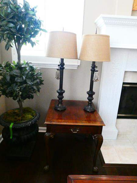 Lot # 4- End Table with 2 Stylish Lamps (main image)