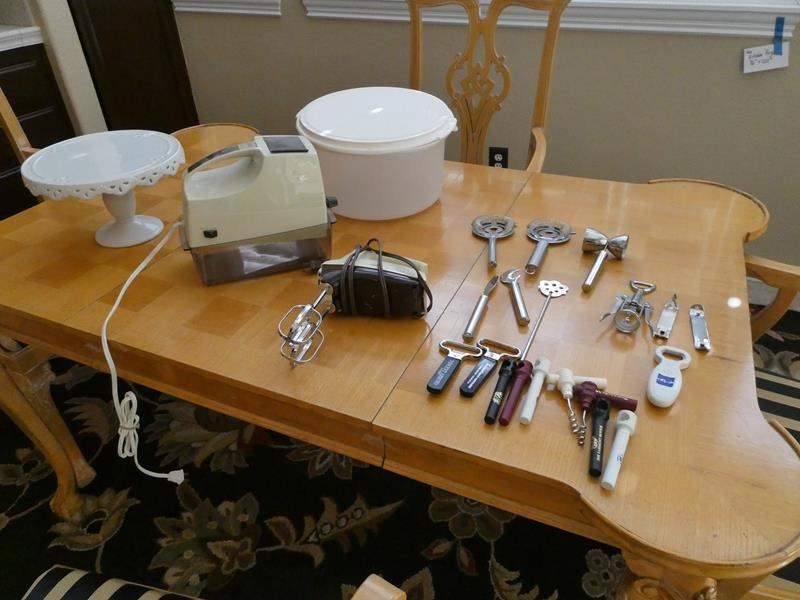 Lot # 167- Vintage Oster Snowflake and other assorted kitchen items (main image)