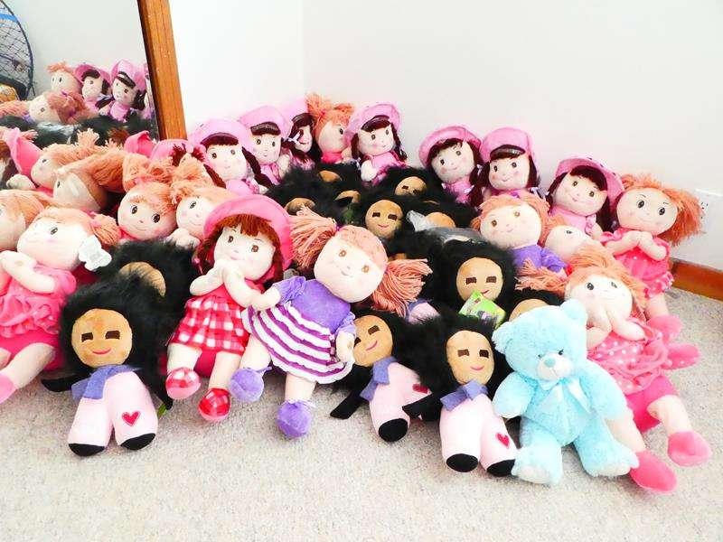Lot # 46-Dolls! (main image)