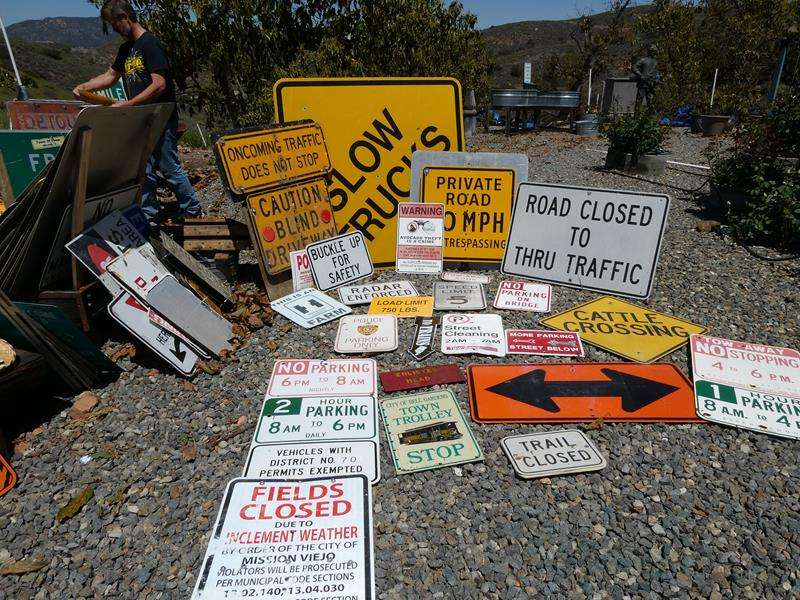 Lot # 91- Assorted street signs (main image)