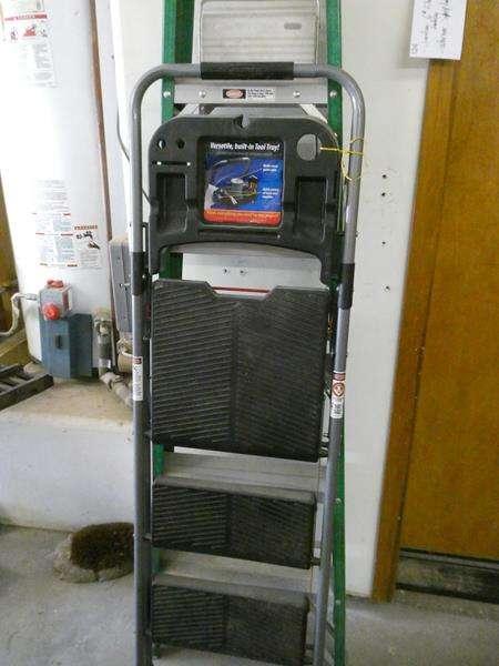 Lot # 124- Davidson 6 foot ladder & Werner stepladder (main image)