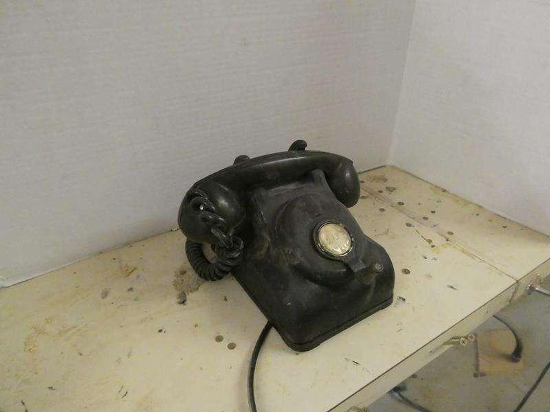 Lot # 153- Vintage Leich hand crank telephone! (main image)