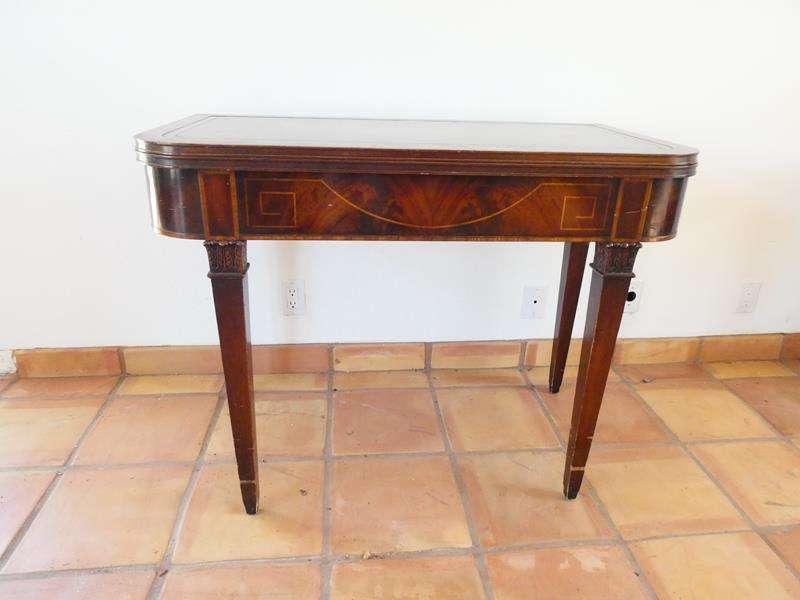 Lot # 7-  Vintage Heirloom Weiman Table (main image)