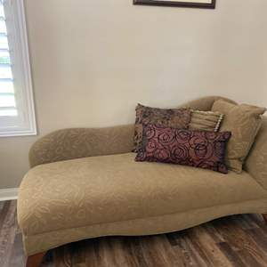 Lot # 14- Chaise Lounge with two throw blankets and decorator pillows