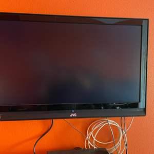 """Lot # 61-JVC 36"""" HD TV"""