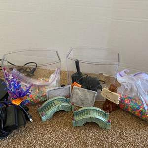 Lot # 90- 2 fish tanks- Complete set up
