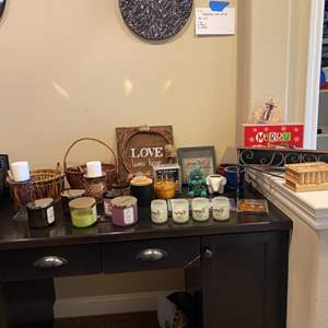 Lot # 97- Lots of candles, baskets, decor and more