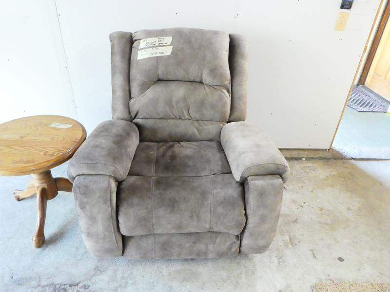 Lot # 7- New gray recliner- excellent condition! Extremely comfortable! (main image)