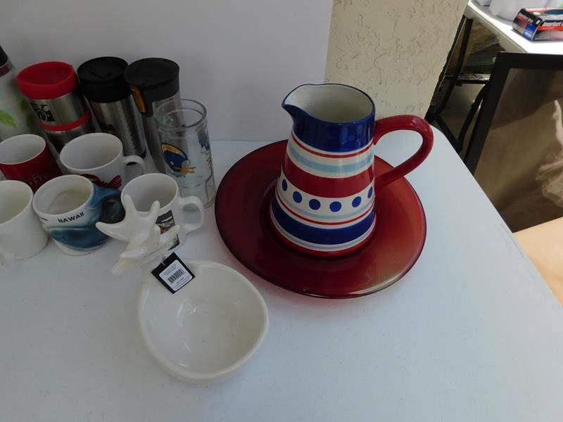 Lot # 84 Easter ceramics, mugs and miscellaneous items (main image)