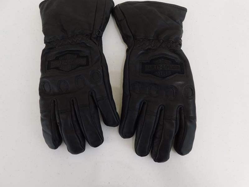 Lot # 92 Manly Harley Davidson original gloves (main image)