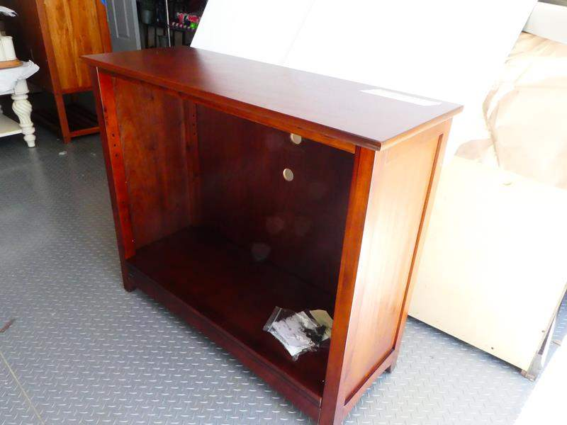 Lot # 2 Solid wood shelf. Great condition (main image)