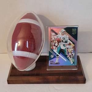 Auction Thumbnail for: Dan Marino Card in Football Display