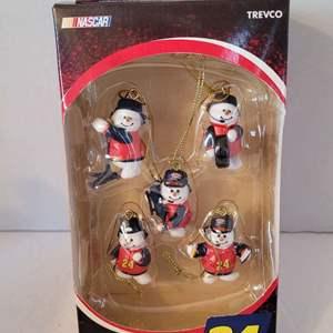 2007 Jeff Gordon Christmas Ornament Set
