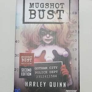 DC Harley Quinn Mugshot Bust Statue NIB