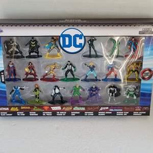 Auction Thumbnail for: DC Series 4 Nano Metalfigs 20 Pack NIB