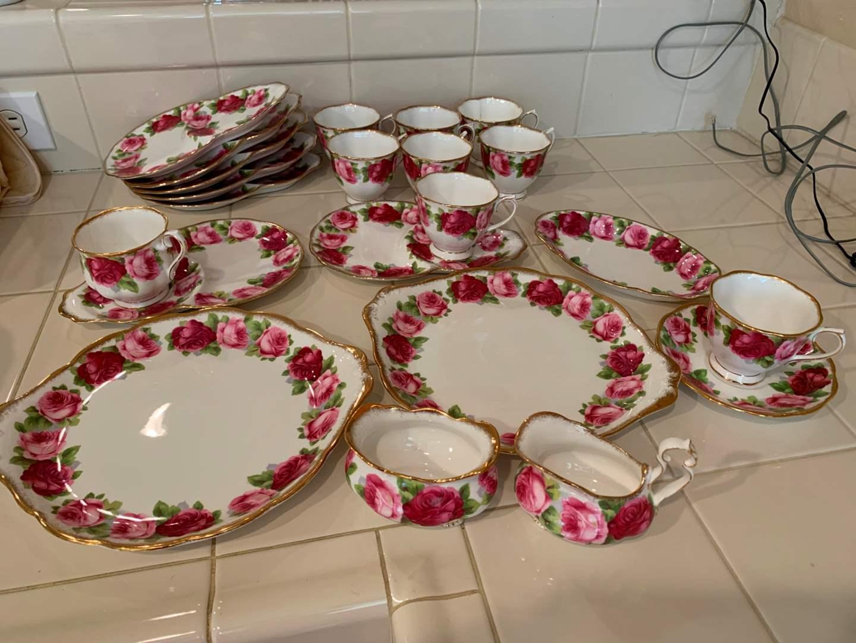 Old English Rose Royal Albert England Tea and Snack Set (main image)