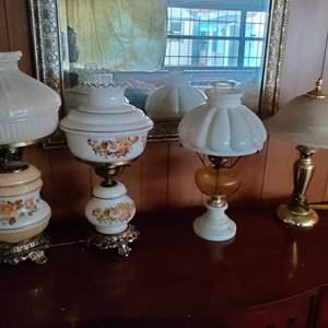 Lot # 25 a lot of 4 vintage lamps