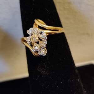 Lot # 35 size 6.5 10 karat gold diamond ring 2.5 g