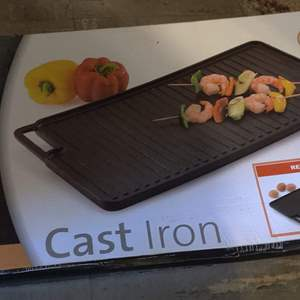 Lot # 56 Philippe Richard cast iron griddle NEW IN BOX