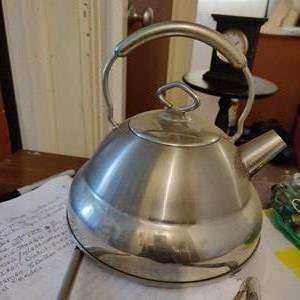 Lot # 83 culinary essentials tea kettle