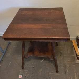 Lot # 105 antique oak parlor table