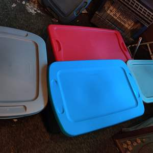 Lot # 113 lot of for Bins all have lids