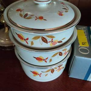 Lot # 119 Jewel tea stacking bowls with lid