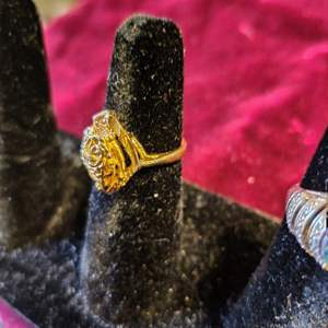 Lot # 132 gold tone woman's ring size 6.25