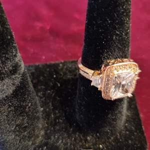 Lot # 136 18-karat gold-plated ring size 9