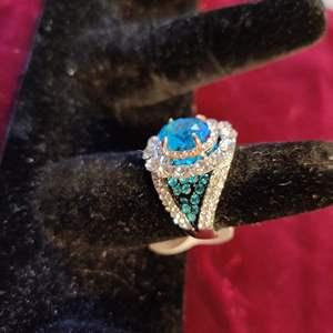 Lot # 138 Lot # 138 wonderful costume jewelry ring size 8 beautiful blue stones very elegant