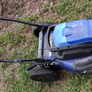 Lot # 217 kobalt 40 volt battery operated lawn mower battery will not hold charge works but won't run long