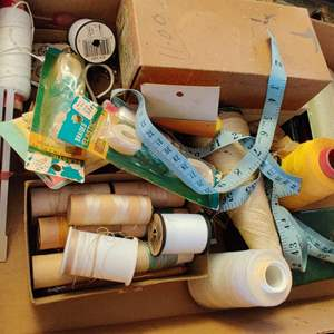 Lot # 265 miscellaneous sewing machine parts and accessories