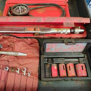 Lot # 273 5 pieces Mac tool and snap-on tools in metal oil pan