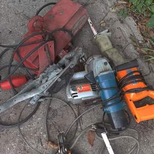 Lot # 286 a lot of power tools and a come along in need of repair
