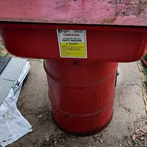 Lot # 301 Carolina parts washer mechanics dream red