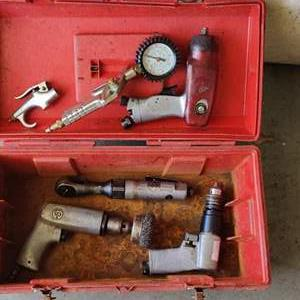 Lot # 307 5 air tools in Orange toolbox 1 Mac impact all untested