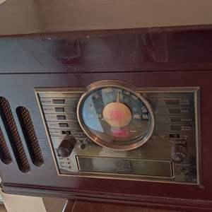 Lot # 354 crosley stereo radio tape player phonograph CD works