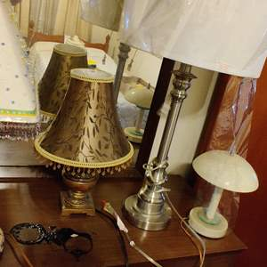 Lot # 364 lot of 4 lamps