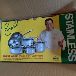 Lot # 378 emerilware emeril 10 piece pots and pan set new in box