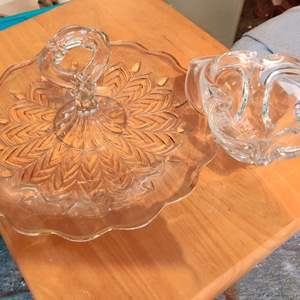 Lot # 381 two pieces of glassware art glass piece and a nice tidbit tray