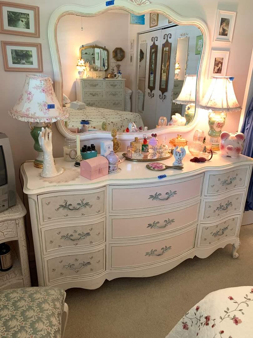 Lot # 24 Vintage Mid-Century Dresser