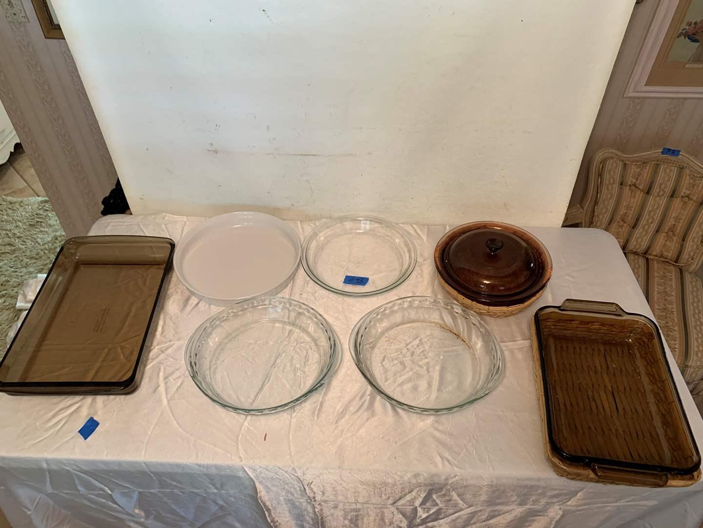 Lot # 93 Various lot Pyrex Glass baking pans pie plates