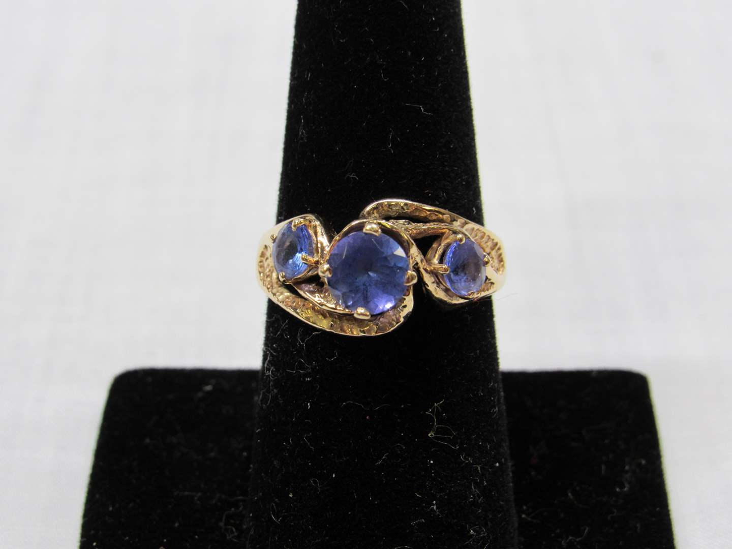 Lot # 106  Beautiful blue stone 14K gold size 7 1/2 ring 5.20 grams (main image)